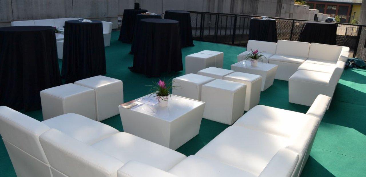 Alquiler de mobiliario chill out para carpas y eventos - Espacios chill out ...